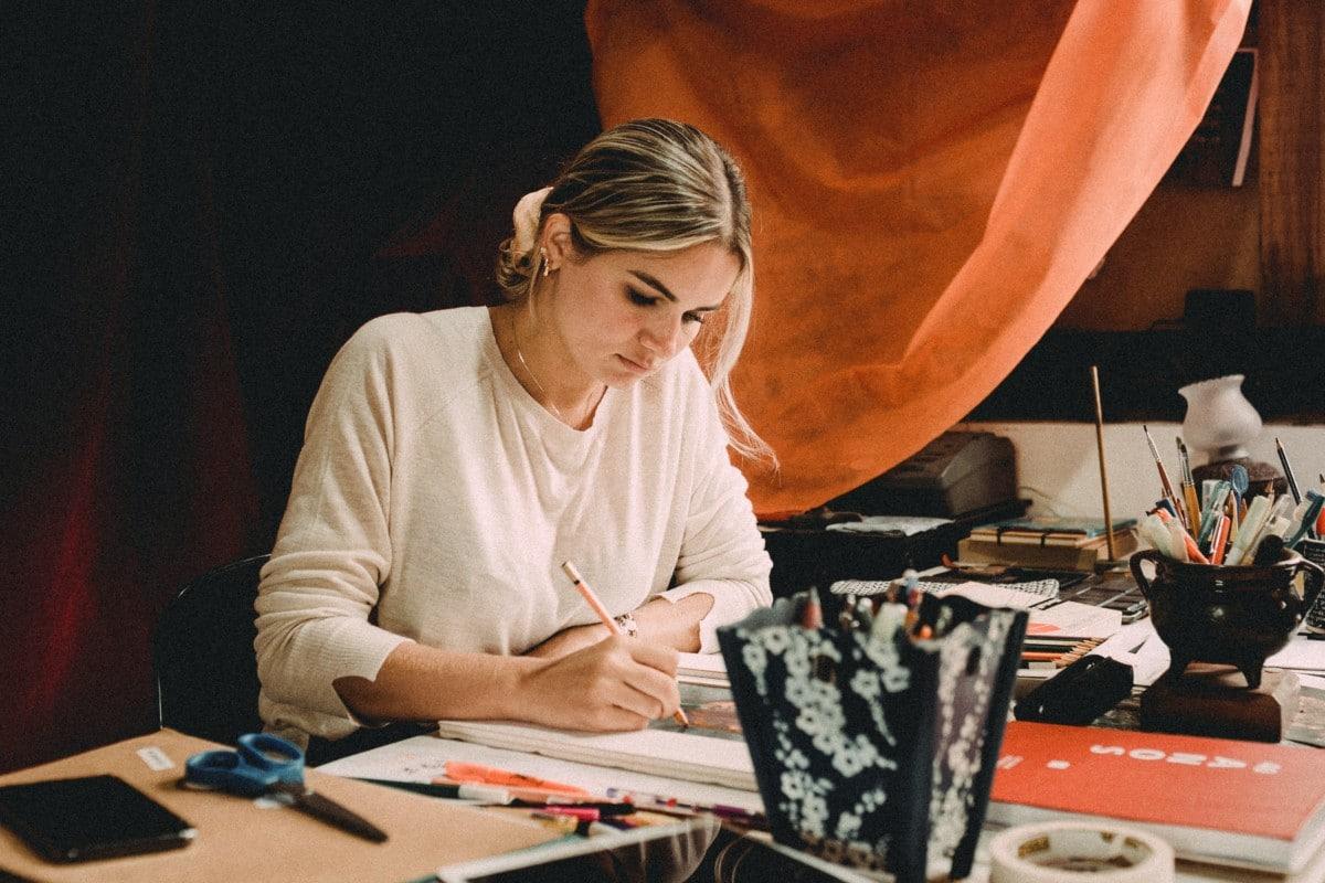Illustrator Feature | Victoria Holmes